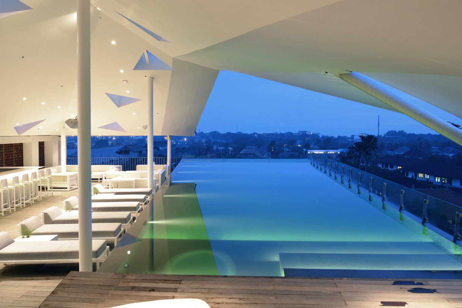 Elegant Luxury Modern Pool swimming pool leisure structure Architecture leisure centre daylighting lighting headquarters convention center