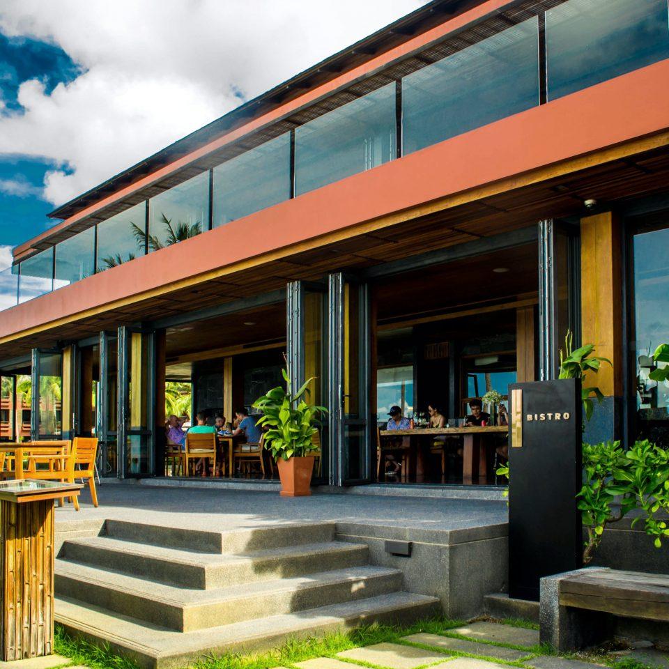 Exterior Hip Luxury Modern sky neighbourhood Architecture house home Resort restaurant colonnade