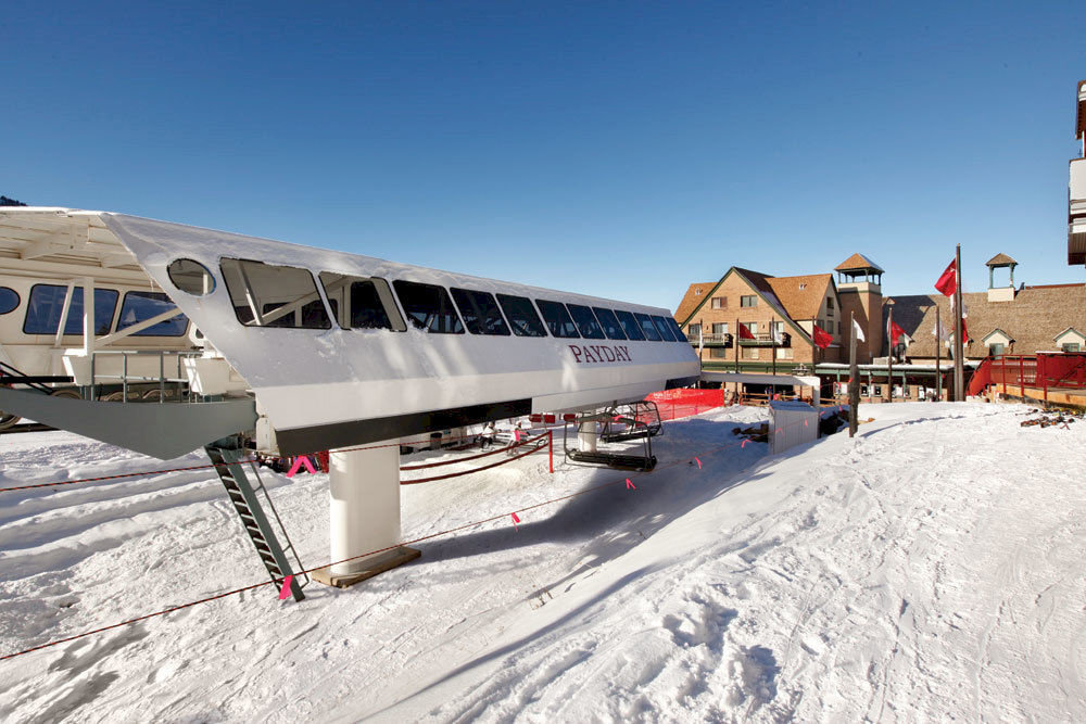 Architecture Exterior Outdoors Ski sky snow transport Nature vehicle atmosphere of earth Winter aviation Resort day