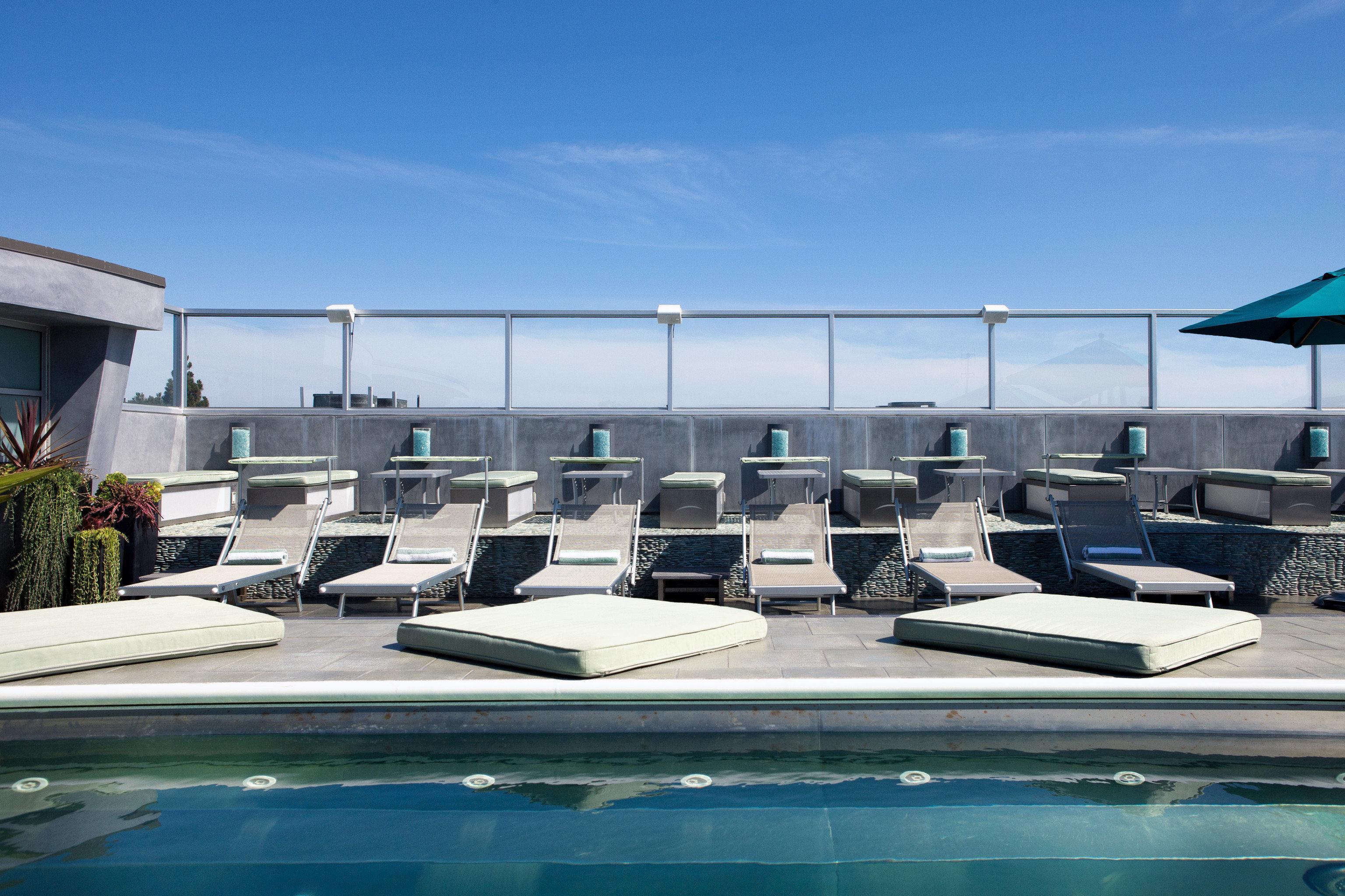Hip Lounge Luxury Pool sky swimming pool property Architecture daylighting condominium headquarters marina