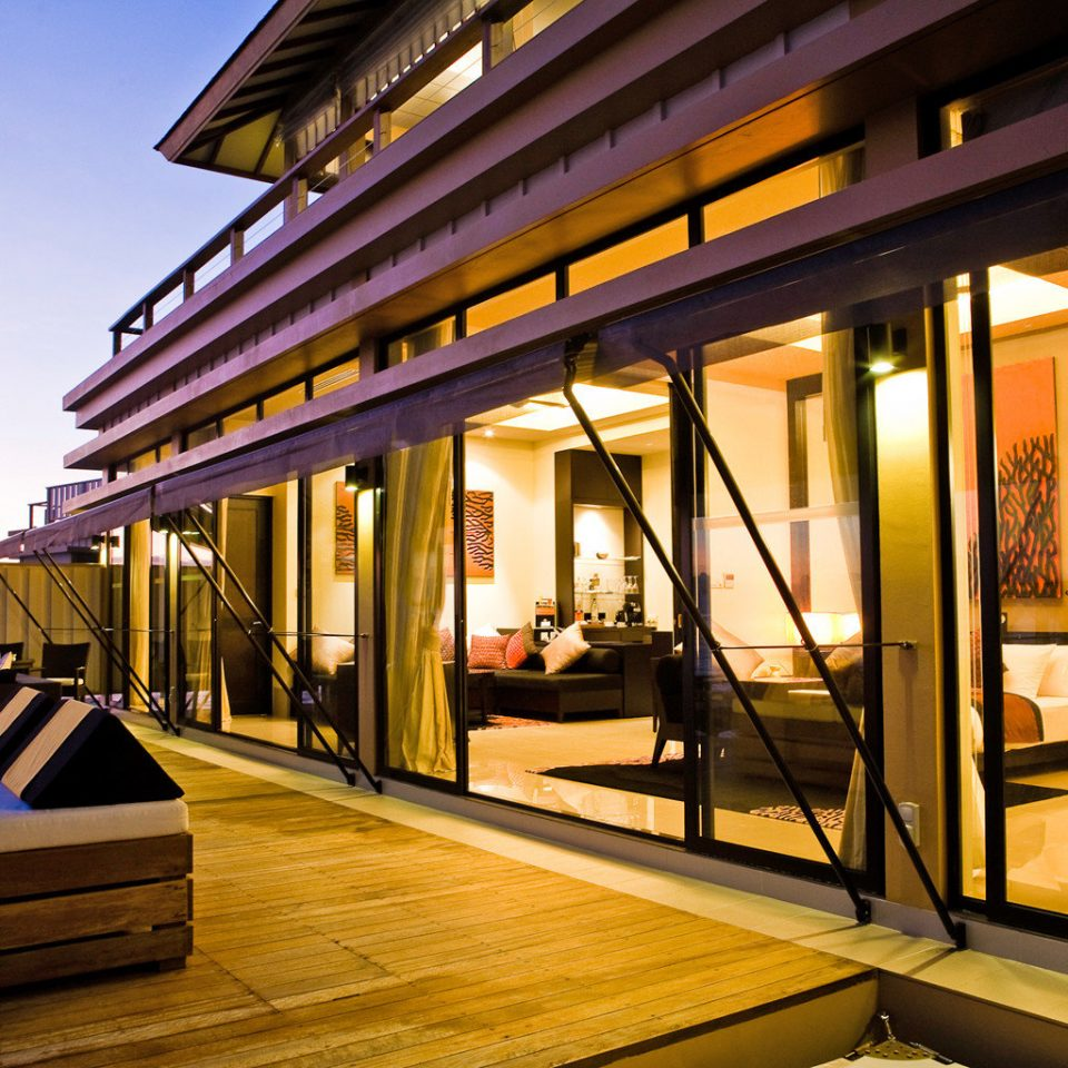 Honeymoon Luxury Overwater Bungalow Romance Romantic Scenic views Waterfront Wellness Architecture platform Resort restaurant public transport