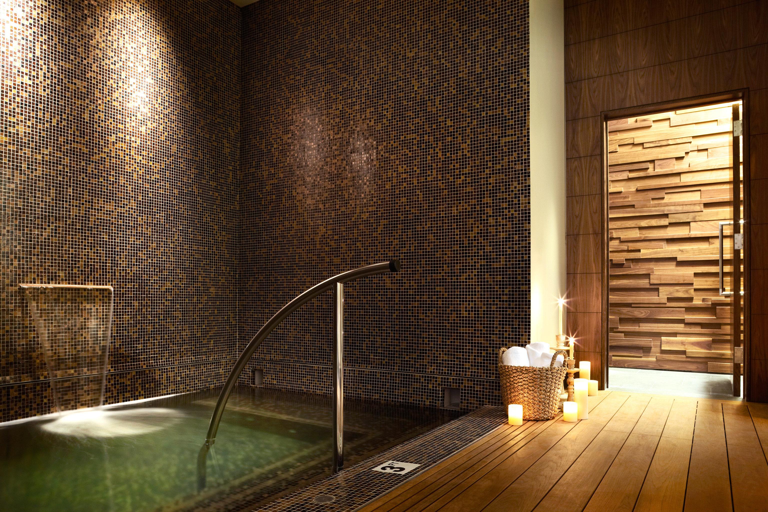 Hot tub/Jacuzzi Luxury Spa Wellness building light Architecture swimming pool lighting flooring Lobby tile tiled