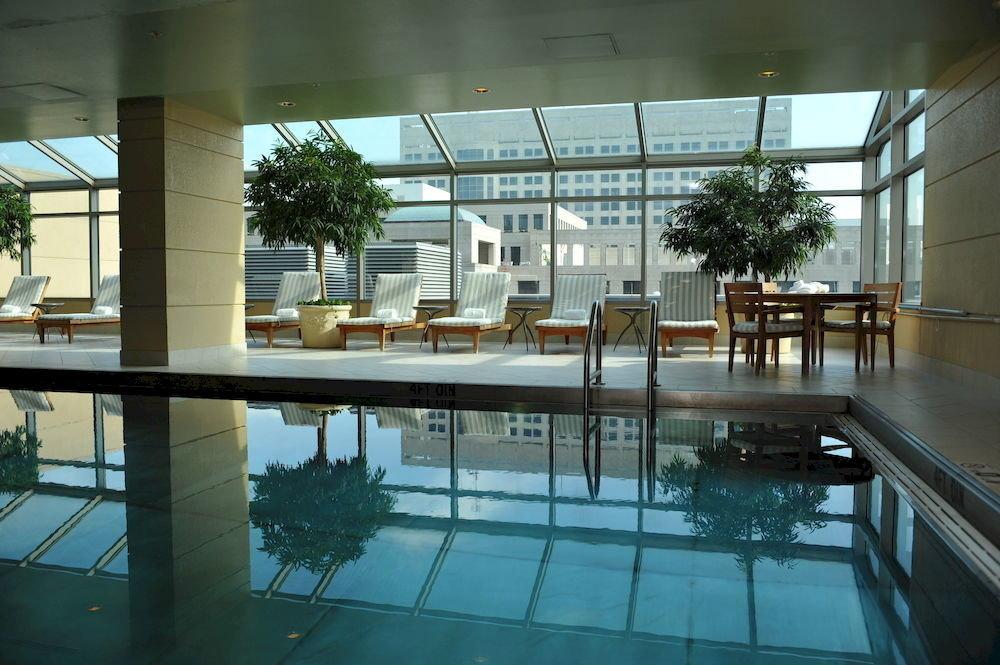 Hot tub/Jacuzzi Lounge Pool swimming pool leisure building condominium Architecture Resort
