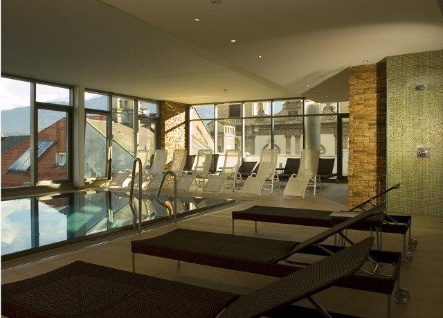 property Lobby Architecture daylighting condominium lighting headquarters living room professional Modern Island