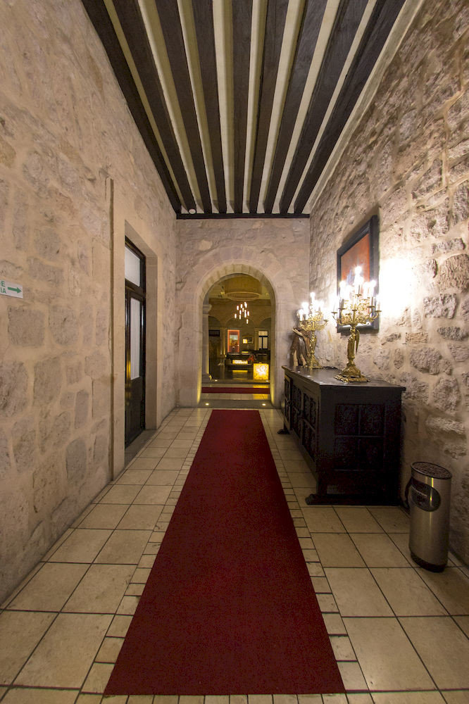 Lobby Rustic building stone Architecture hall brick crypt flooring tourist attraction tiled tile walkway
