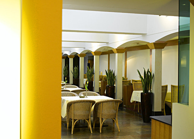 yellow Architecture Lobby restaurant condominium Suite