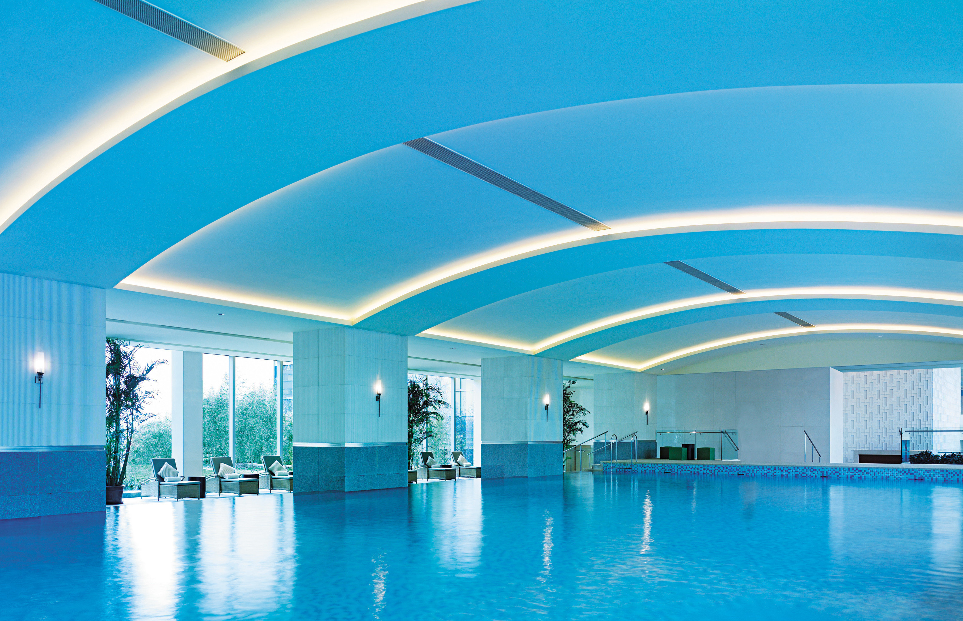 Lounge Luxury Modern Pool swimming pool leisure blue Architecture leisure centre daylighting convention center headquarters