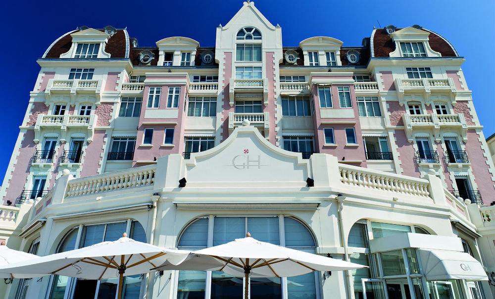 building landmark house Architecture palace apartment building Resort mansion tours roof