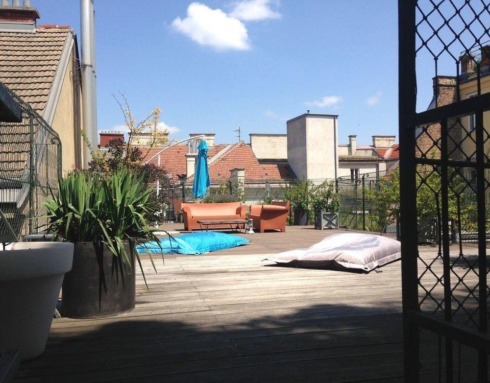 sky property building house Architecture home condominium swimming pool Resort outdoor structure backyard Villa