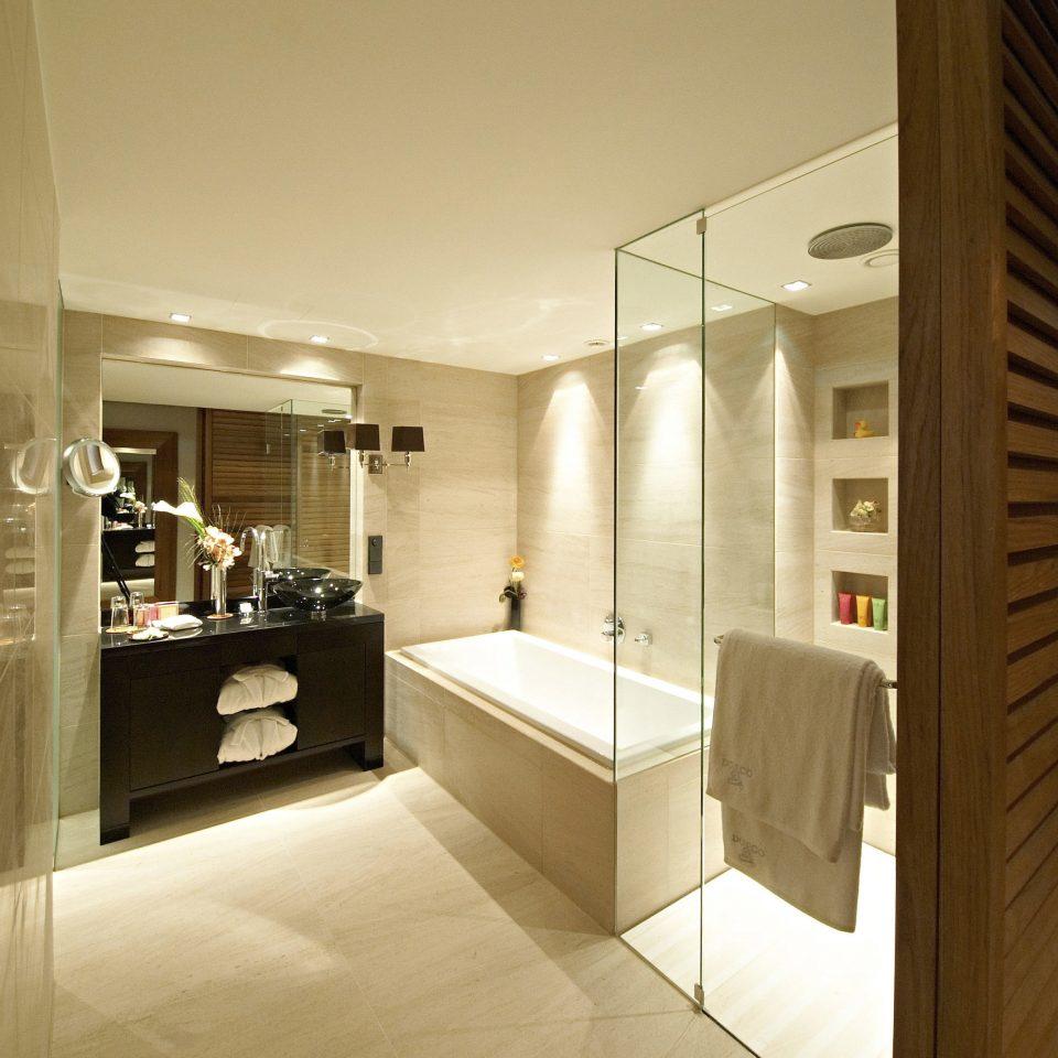 property house Architecture home lighting bathroom professional condominium Suite