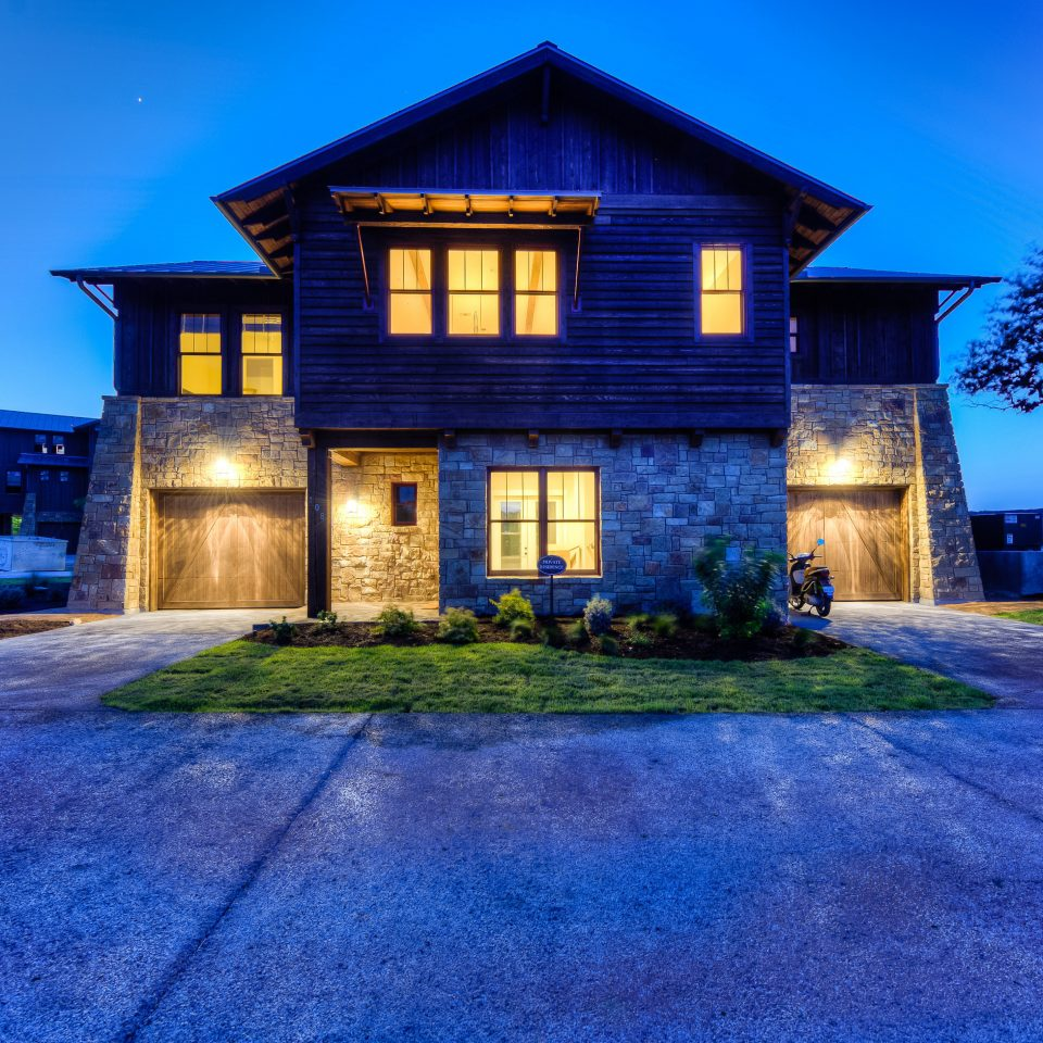 sky grass building house road home property residential area Architecture mansion landscape lighting farmhouse Villa backyard cottage suburb lawn residential