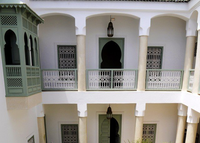 property building house Architecture home palace mansion Villa tourist attraction synagogue baluster