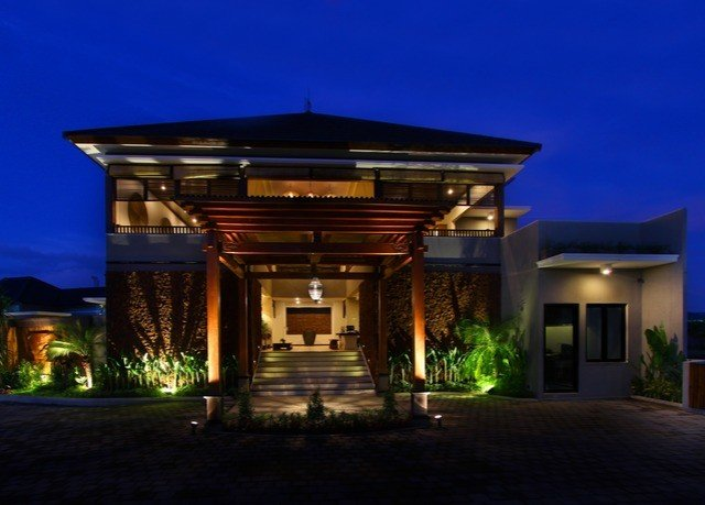sky building property house Architecture home mansion lighting Villa landscape lighting night