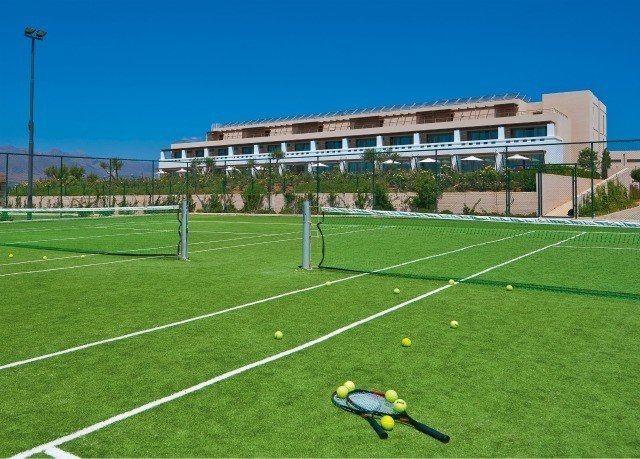 grass sky structure sport venue soccer specific stadium baseball field stadium lawn player baseball park sports soccer net arena flooring artificial turf