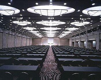auditorium structure stage sport venue theatre function hall convention center arena conference hall stadium ballroom hall