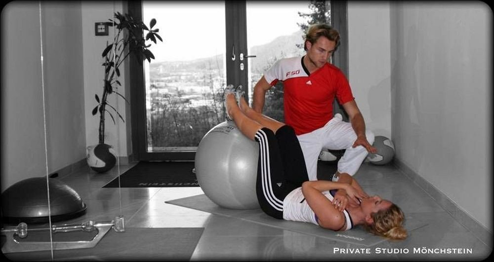 structure human positions muscle sport venue sitting arm physical fitness leg gym human body