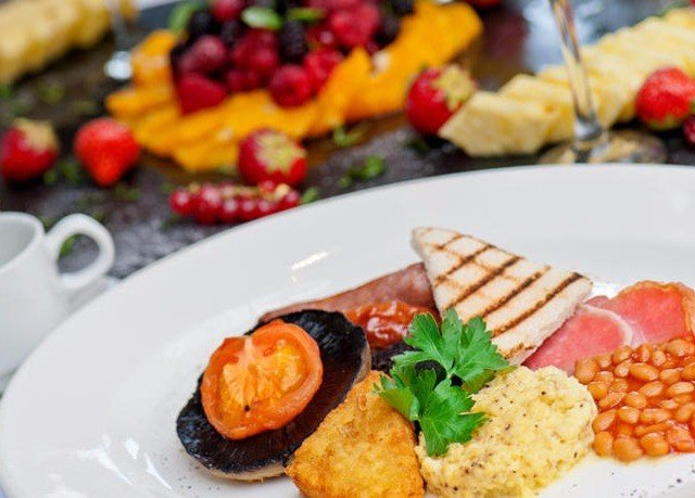 plate food hors d oeuvre lunch cuisine breakfast fruit brunch full breakfast vegetarian food meat arranged piece de resistance