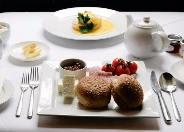 plate food breakfast cuisine brunch lunch dessert restaurant arranged