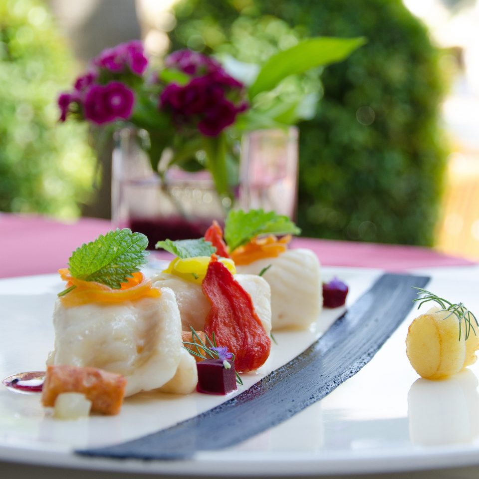 plate food cuisine breakfast fruit slice brunch arranged