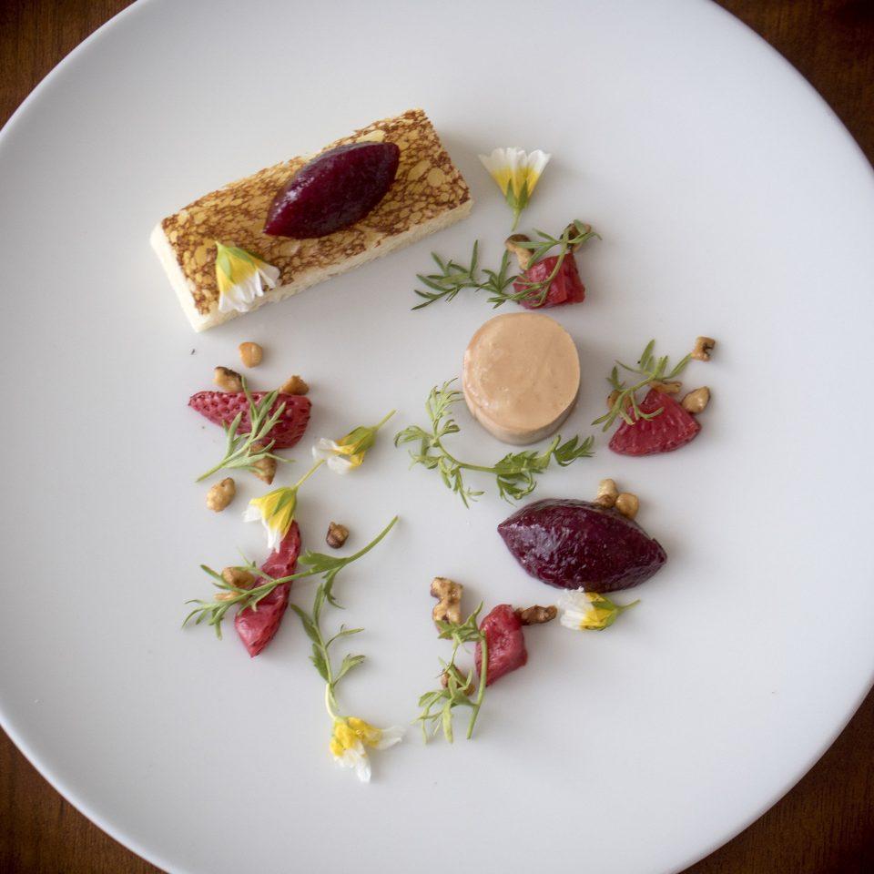 plate food white breakfast dessert sliced arranged