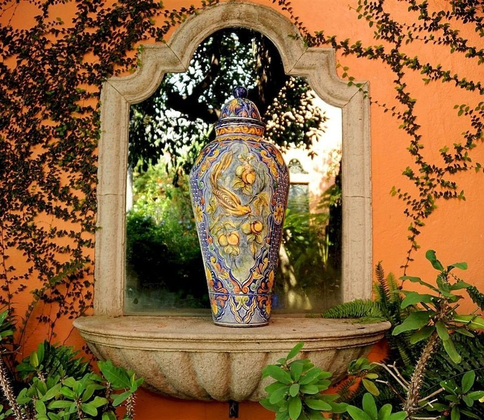 tree plant building art temple shrine carving colorful painted painting