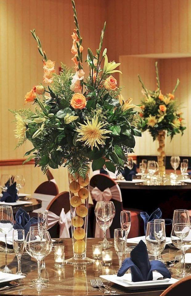 flower arranging centrepiece floristry flower floral design art retail dining table