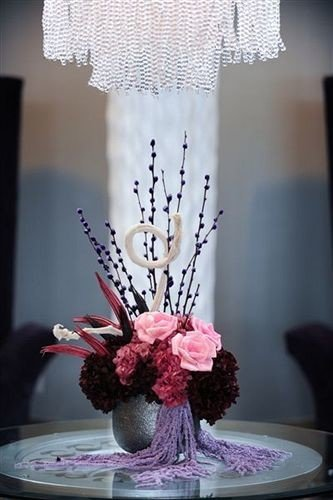 flower white pink centrepiece flower arranging floristry art lighting spring floral design wedding cake glass