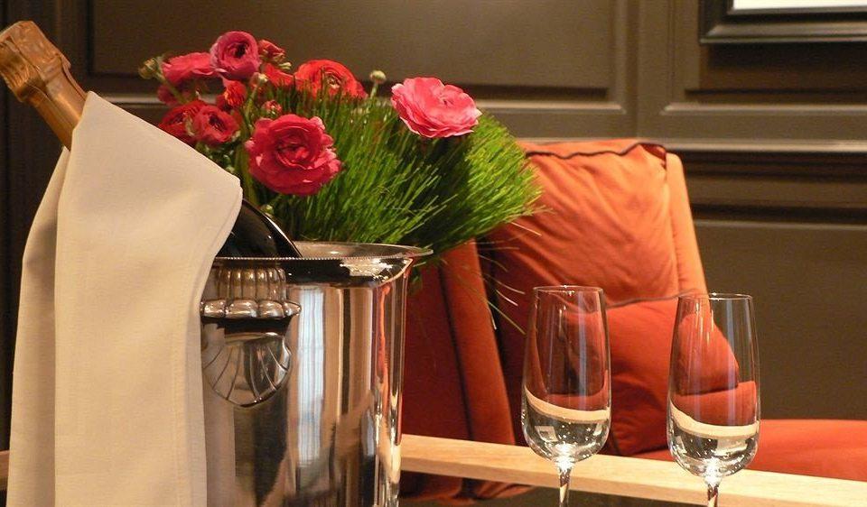 flower arranging floristry flower art floral design spring retail dining table
