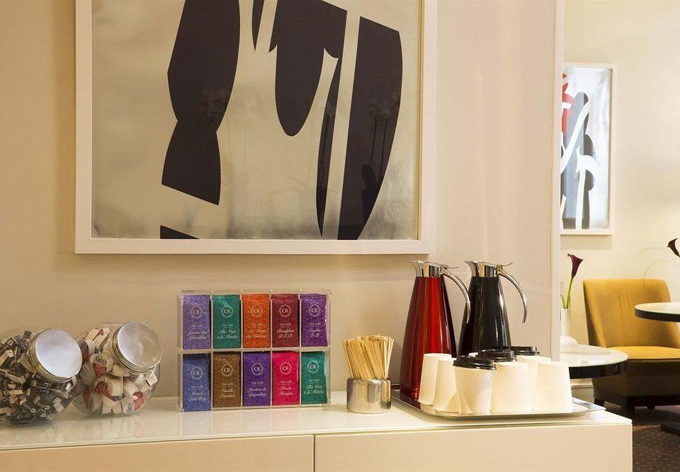 art home living room gallery shelf