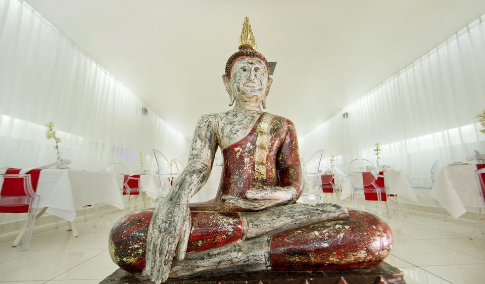 statue art wat gautama buddha temple sculpture