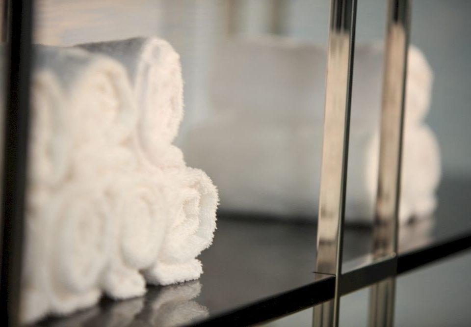 white art sculpture lighting glass