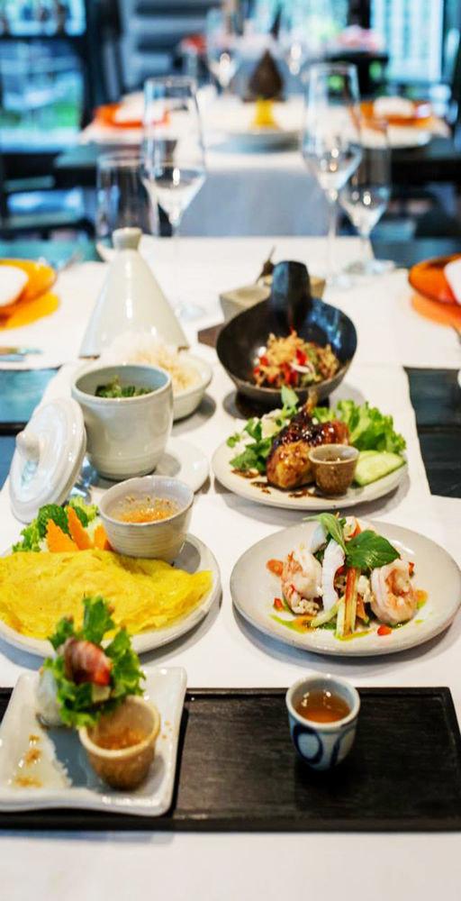 food plate lunch brunch restaurant breakfast cuisine supper sense asian food
