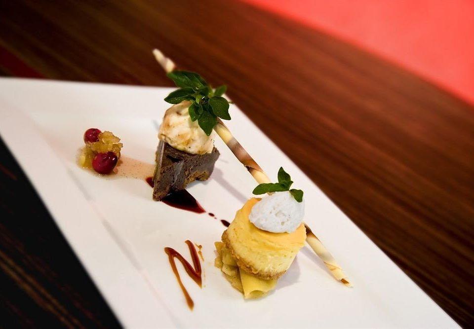 plate food piece slice cuisine sushi restaurant white asian food sense square