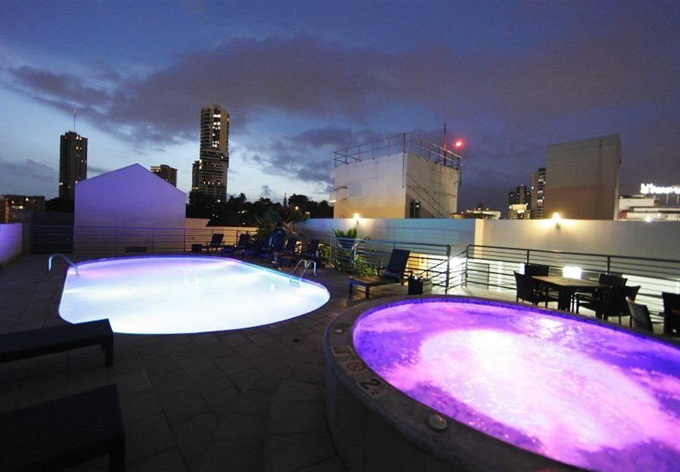 sky building night light atmosphere of earth swimming pool evening screenshot dusk skyline cityscape