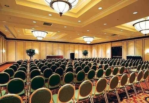 auditorium function hall conference hall convention center ballroom banquet meeting theatre audience convention