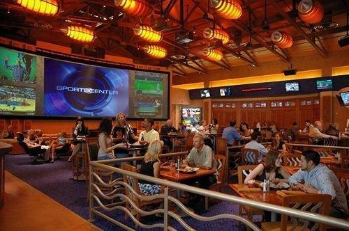 audience auditorium restaurant