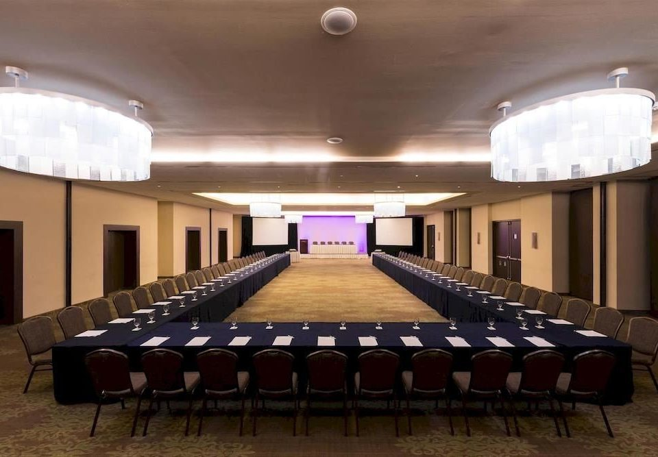auditorium function hall conference hall billiard room sport venue recreation room convention center stage ballroom theatre banquet meeting