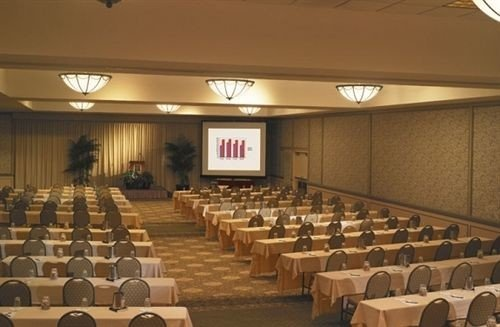 auditorium function hall conference hall convention center meeting ballroom banquet convention lined