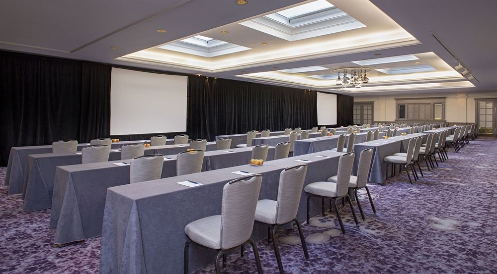 function hall conference hall auditorium convention center banquet restaurant ballroom dining table