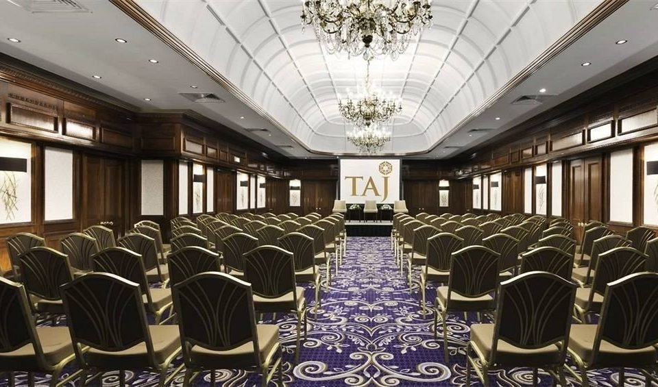 auditorium function hall conference hall convention center ballroom meeting banquet theatre conference room