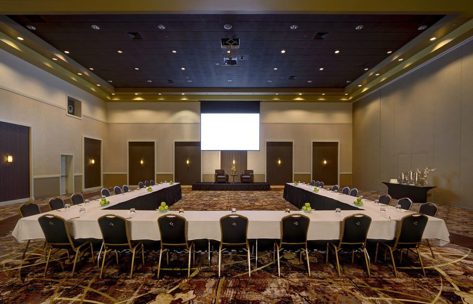 auditorium function hall conference hall ballroom convention center meeting convention banquet theatre long