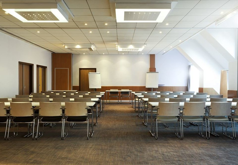 chair auditorium classroom conference hall function hall convention center meeting cafeteria ballroom conference room