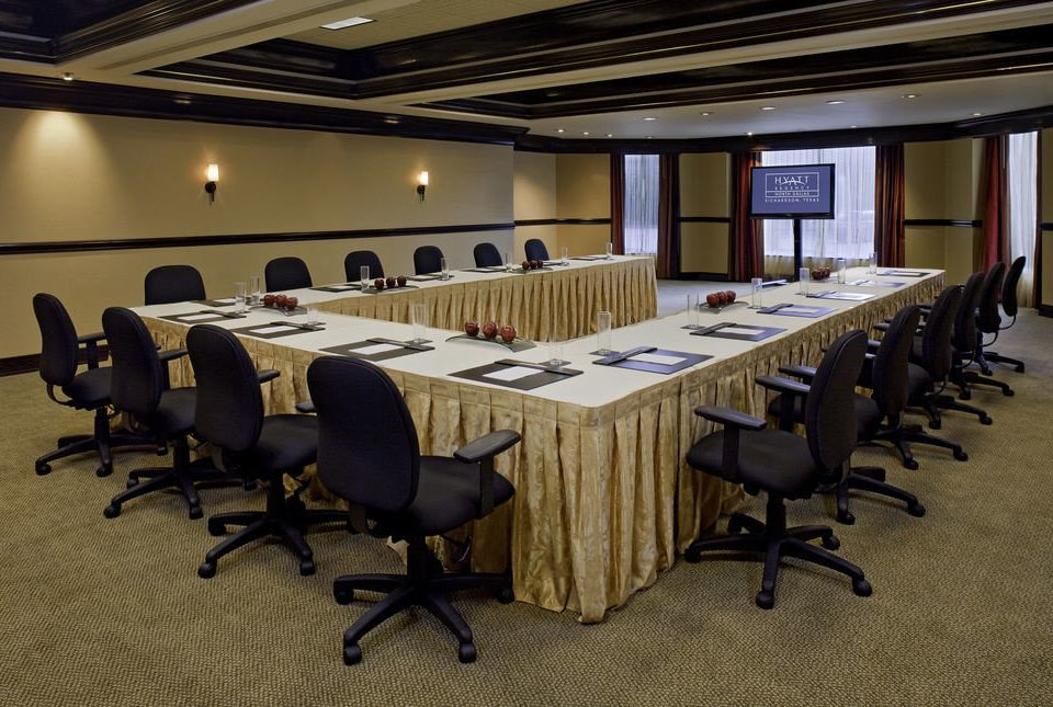 chair auditorium conference hall desk function hall classroom meeting office convention convention center ballroom