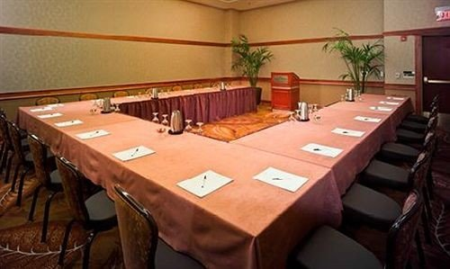 chair function hall conference hall banquet restaurant auditorium meeting dining table