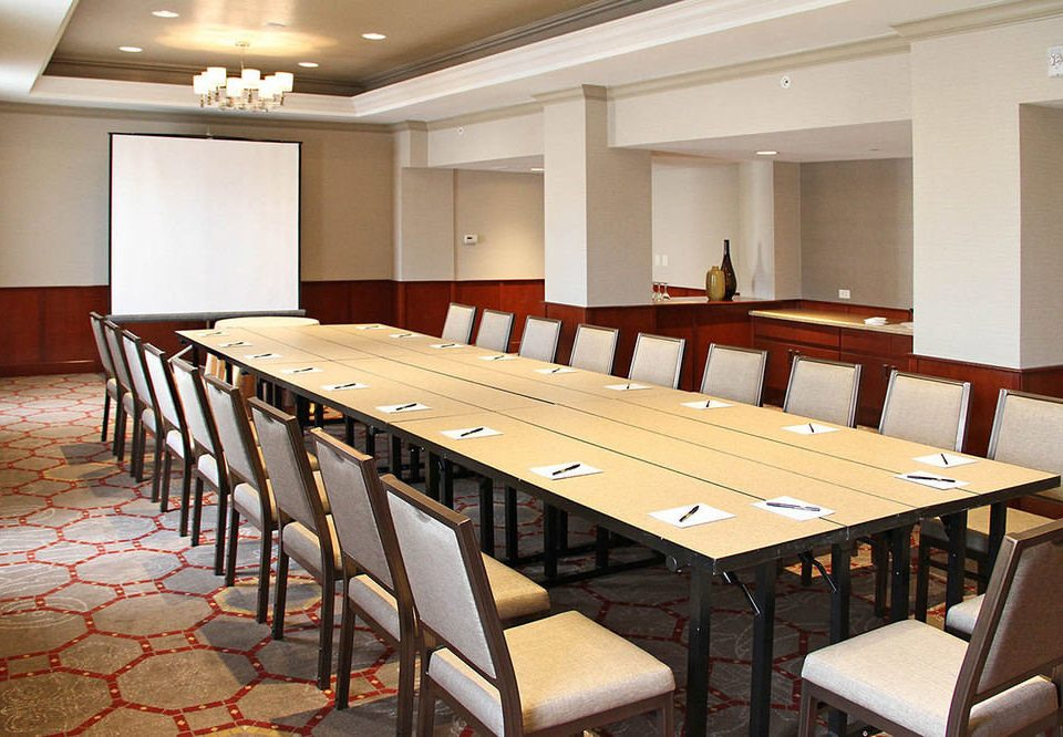chair conference hall auditorium function hall classroom billiard room convention center recreation room dining table