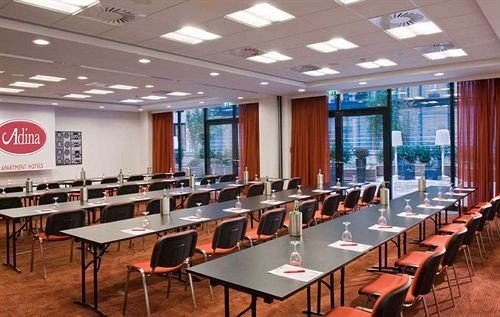 scene conference hall function hall classroom cafeteria auditorium convention center restaurant meeting conference room