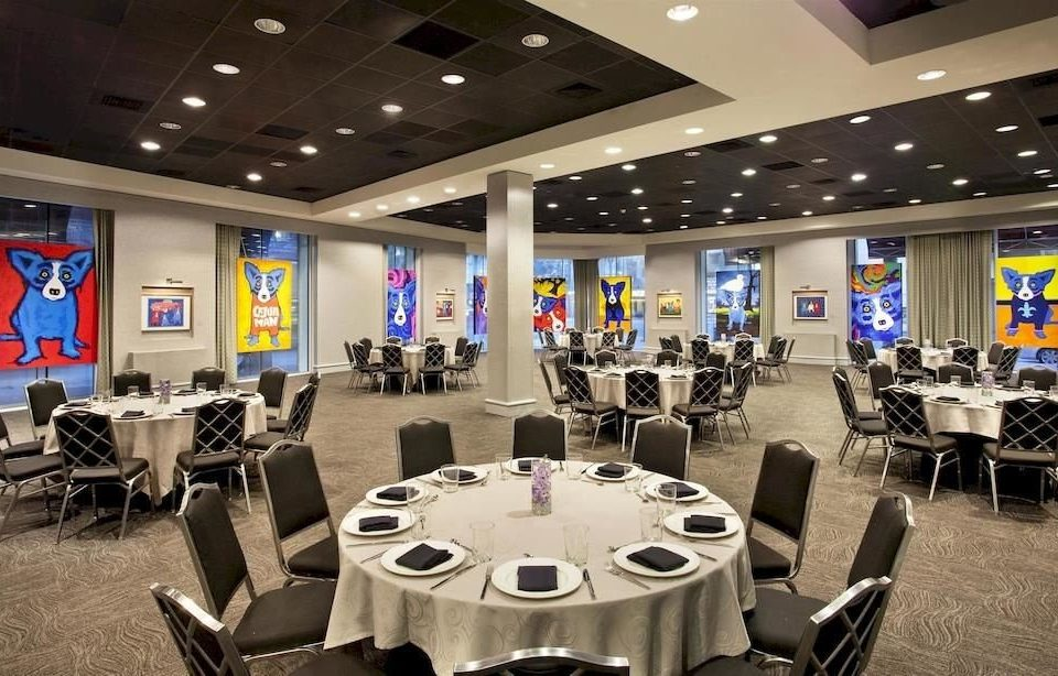 chair structure sport venue conference hall office function hall convention center convention gym auditorium restaurant conference room dining table
