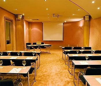 conference hall auditorium classroom scene function hall meeting convention center recreation room conference room restaurant