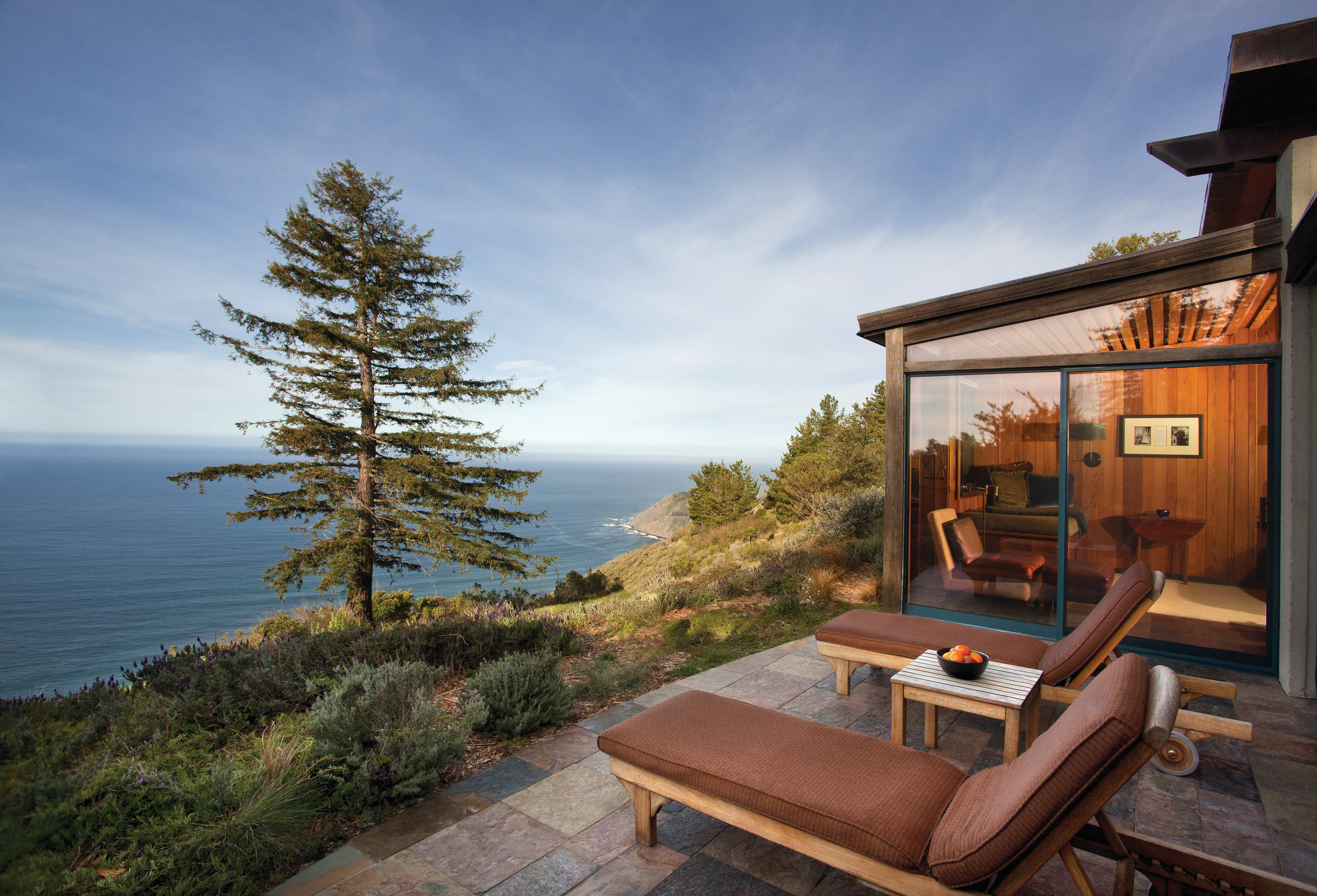 Hotels Romance sky outdoor tree house vacation home estate log cabin cottage real estate Villa overlooking stone