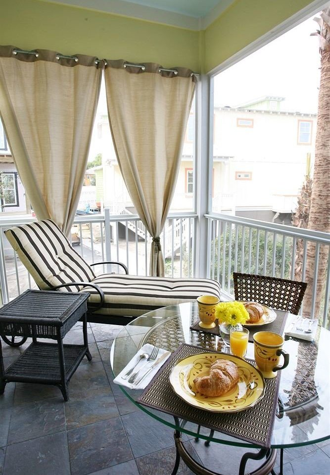 B&B Balcony Romantic chair property home cottage living room restaurant window treatment Villa dining table